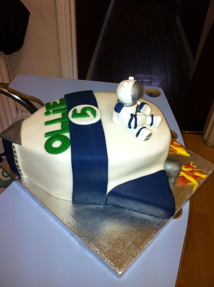 Spaceman rocket cake