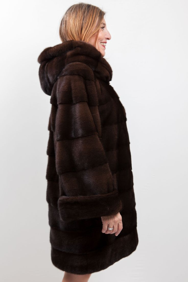 1000 id es sur le th me manteaux de vison sur pinterest fourrure fourrure ancienne et. Black Bedroom Furniture Sets. Home Design Ideas