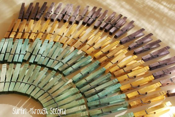 How to dye clothespins using vinegar & food coloring.