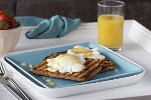 Eggs Benedict met toast van wit brood - Brood.net