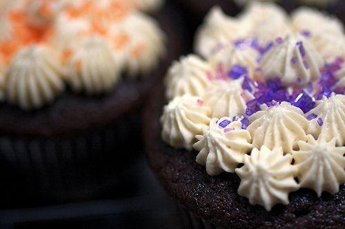 irish car bomb cupcakes - Guiness Bailey's & Jamison Whiskey baked into chocolate goodness!!