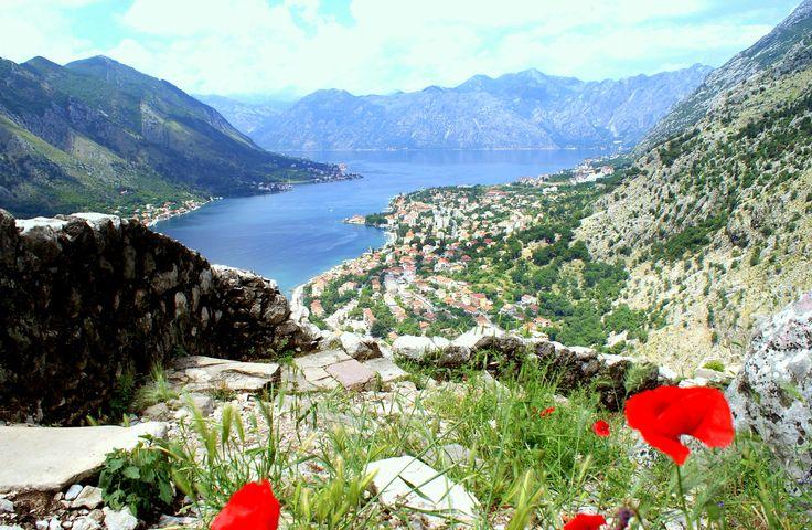 Kotor dans les bouches de Kotor au Montenegro http://montenegro-voyage.com/
