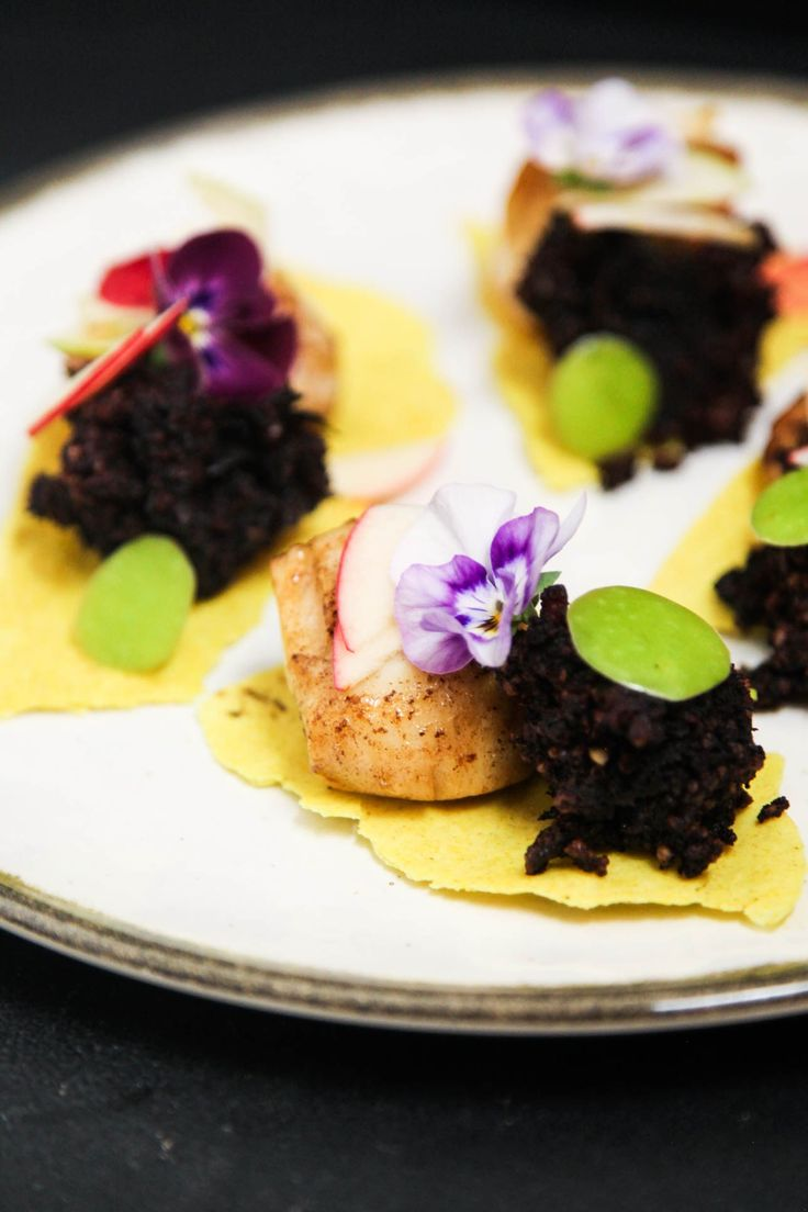 Fancy Starter with Scallops, Black Pudding and Apple | Berries and Spice