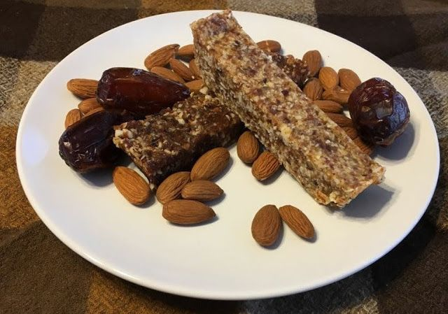 Mennonite Girls Can Cook: Amy's Date and Nut Bars