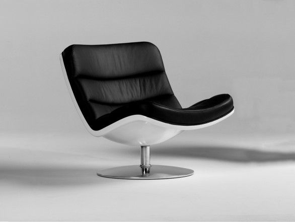 Artifort F978 Lounge Chair
