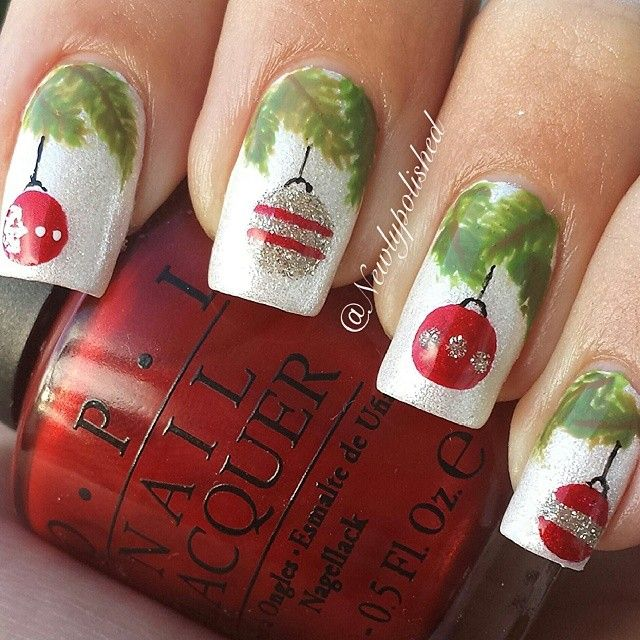 Christmas ornaments nails. #holidays #xmas #nails DIY NAIL ART DESIGNS