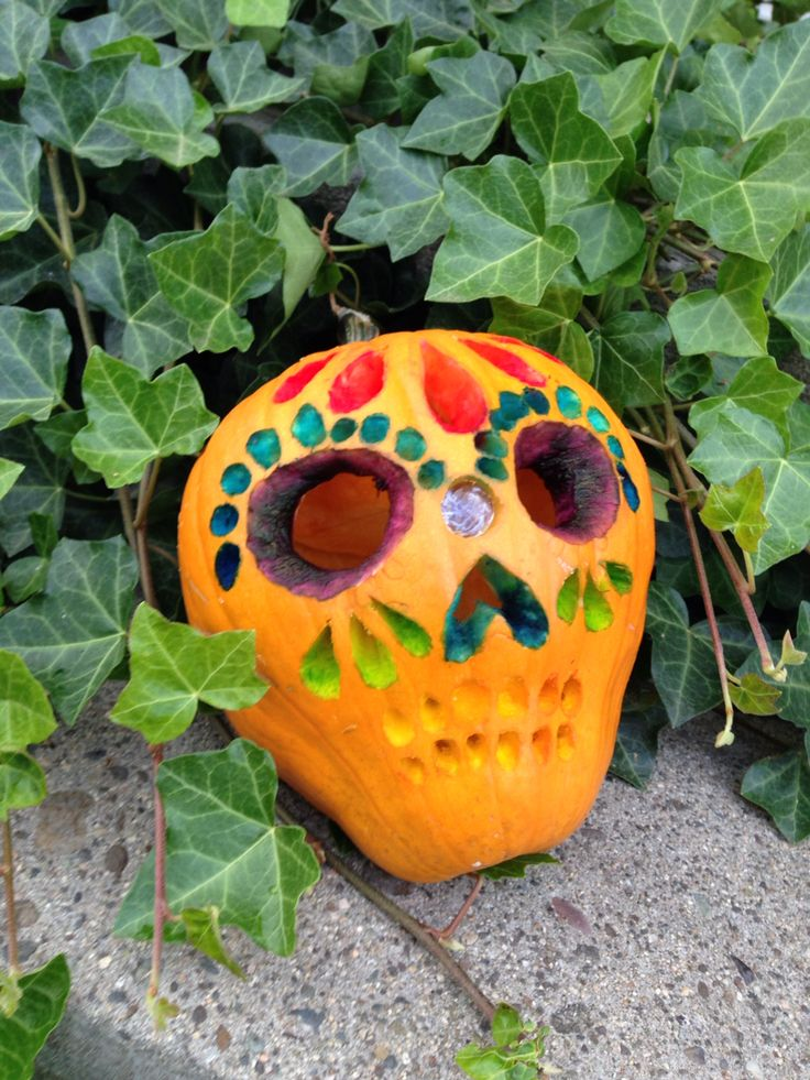 Sugar Skull Pumpkin carving. Food coloring was used to ...