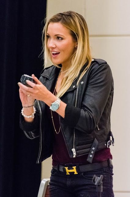 Celebrities In Leather: Katie Cassidy wears a black leather jacket