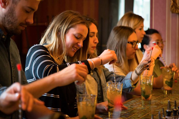 Organising a corporate event can be quite difficult but we can make it in a snap! Our cocktail classes will ease your decision, being the perfect activity for you and your colleagues!
