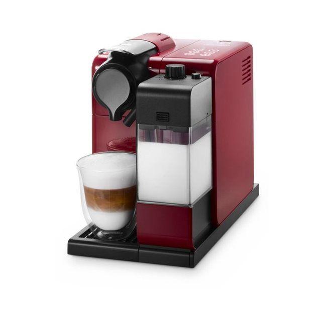 Expresso LATISSIMA TOUCH NESPRESSO ROUGE EN 550 DELONGHI : prix, avis & notation, livraison.  La cafetière Expresso DELONGHI LATISSIMA TOUCH NESPRESSO ROUGE EN 550 Cette cafetière Expresso à capsules est dotée d'un réservoir de 900 ml et possède une puissance de 1400 Watts. Elle bénéficie d'un système de pression de 19 bars pour fournir un café d'excellente qualité. Caractéristiques techniques :- Le plus du produit : Carafe &...