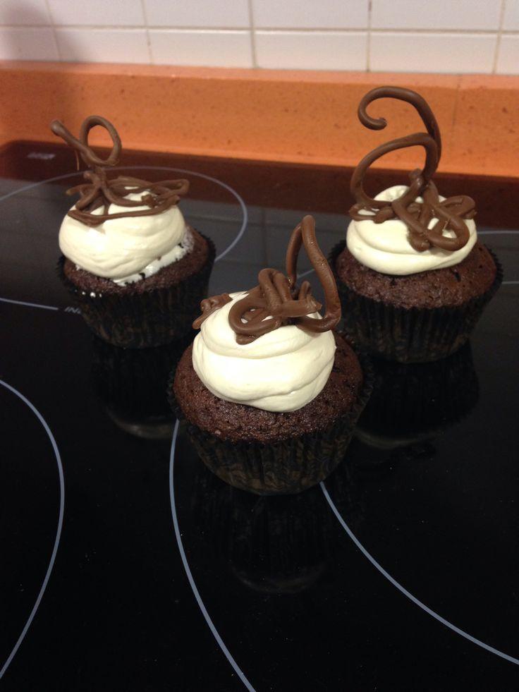 Decorando cupcakes con altura