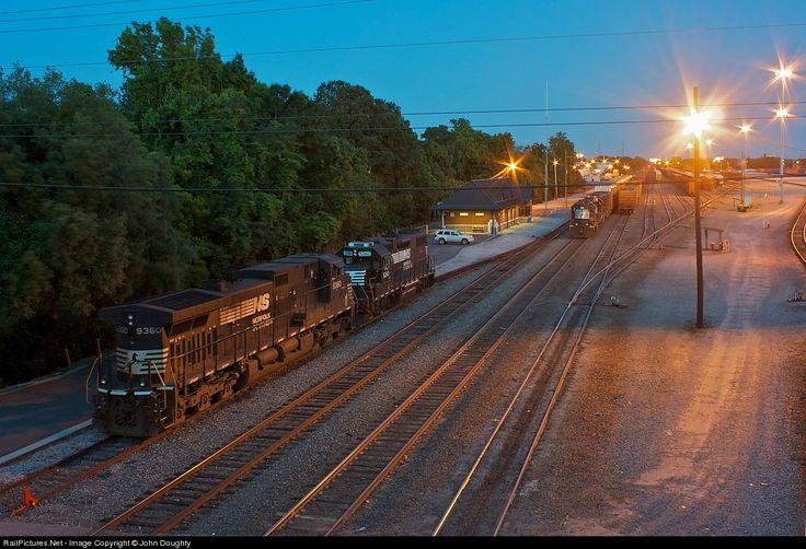 RailPicturesNet Photo NS 9360 Norfolk Southern GE C40-9W (Dash 9 - bodenbeläge für küchen