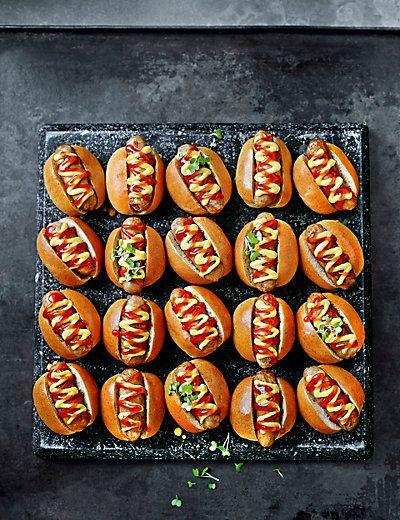 20 Mini Posh Hot Dogs   M&S