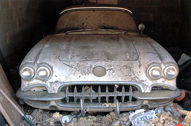 junkyard life classic cars muscle cars barn finds hot rods and part news chevrolet barn. Black Bedroom Furniture Sets. Home Design Ideas