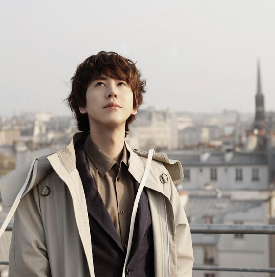 super junior He is my favorite he can sing to me anytime