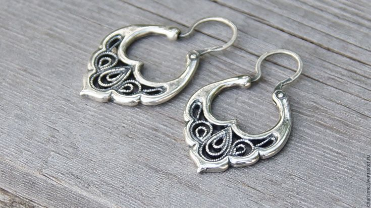 """Купить Посеребренные серьги-обручи в технике скань """"Боярышня"""" - серебряный, серебряные украшения, серебряные серьги"""