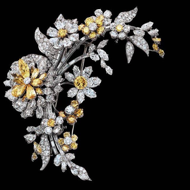 Bulgari's magnificent style shines at NGV International with the ITALIAN JEWELS - BULGARI STYLE exhibition in Melbourne. You don't want to miss this!
