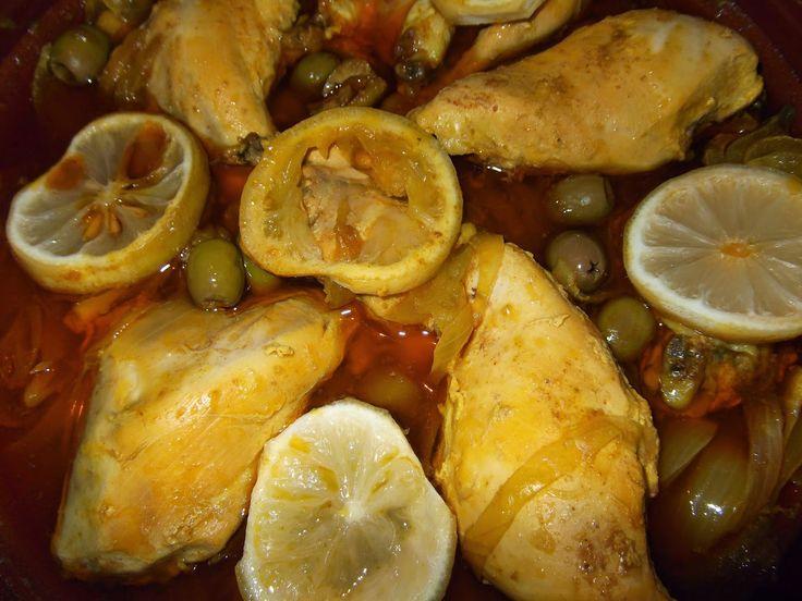 Tajine de pui cu ceapă, lămâie și măsline verzi