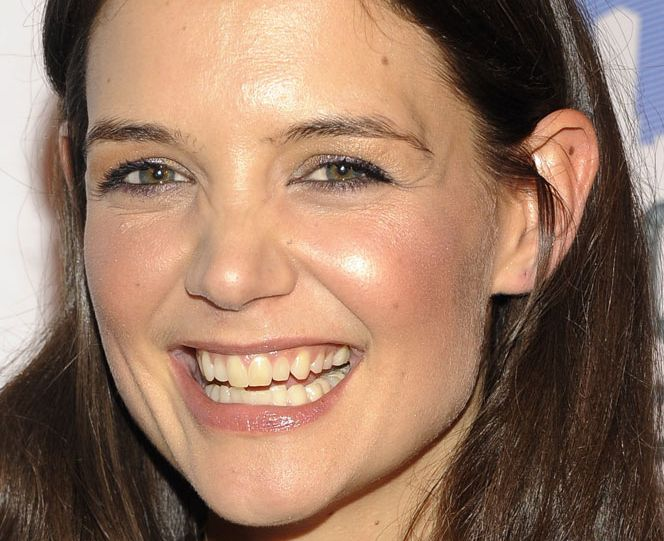 Katie Holmes with yellow teeth | Graphics Keeper ...