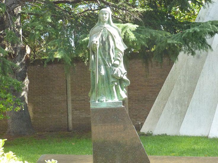 Imagen de Santa Teresa del Carmelo en la iglesia del mismo nombre, ciudad de La Plata, Buenos Aires, Argentina.