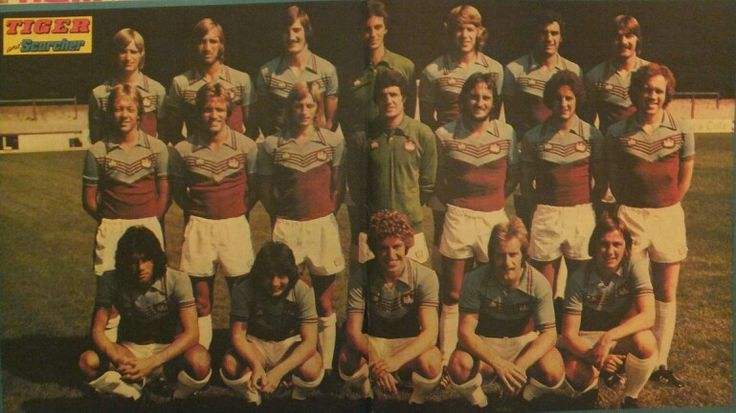 The 1976-77 photo call from the Tiger & Scorcher comic still sitting in my old wardrobe. This time limited to the first team squad with the youth players sent to run around the pitch.