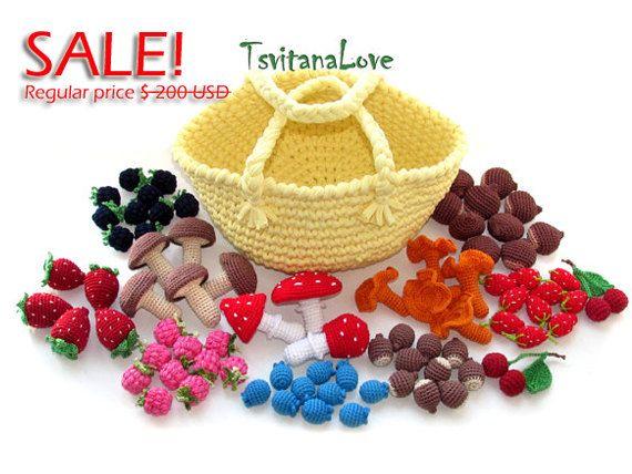 Set of 70 pcs. in a basket  Crochet berries  by TsvitanaLove