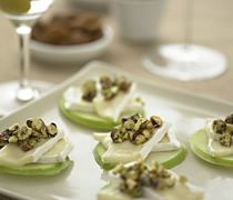 brie sliced apples and nuts