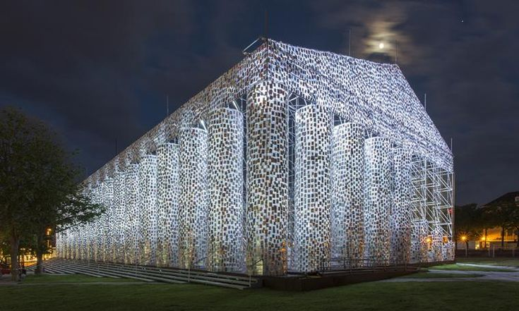 Marta Minujín, The Parthenon of Books, 2017,