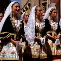 Package Sardinian Cavalcade 2013 in Sassari. From the heart of the Sardinian tradition in Sassari to the splendid sea of the Coral Coast in Alghero. #travel #sardinia #traditionalclothes