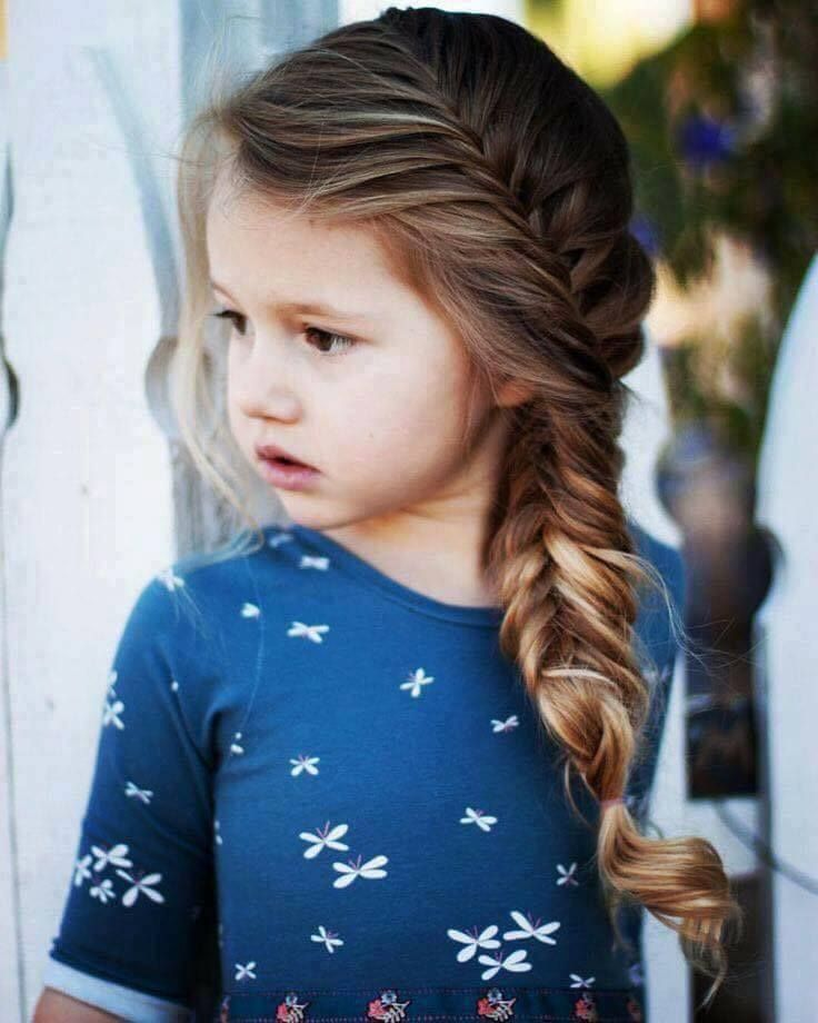 Charming Side Fishtail Braid For Medium Length Hairs Cool Hairstyles For Girls Hair Styles Girls School Hairstyles