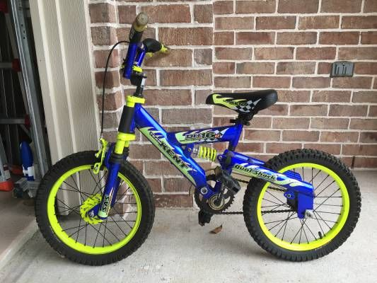 Blue Children's Bike - The Woodlands Texas Bikes & Cycling For Sale - Kids Bikes Classifieds on Woodlands Online