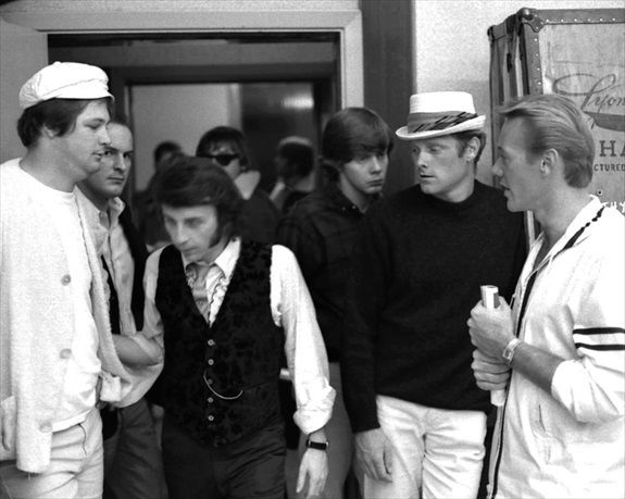 Brian Wilson, Phil Spector, Jack Nitzsche (with sunglasses), Mike Love & Bobby Hatfield in 1965