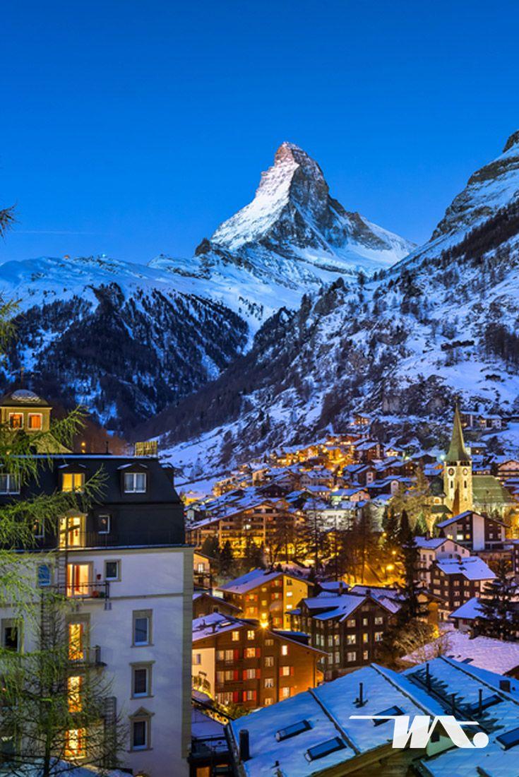 Zermatt, sebuah kota kecil pedesaan yang terletak di kanton Valais, Swiss yang merupakan sebuah resor pegunungan yang terkenal dengan track pendakian, ski dan hiking. Kota kecil nan menawan ini merupakan bagian dari barisan pegunungan Alpen yang ada di negara Swiss. Kota ini berada pada ketinggian sekitar 1.600 m, tepat di bawah puncak gunung Matterhorn yang berbentuk piramid nan iconic. #luxurytravel #luxuryworldtravel #witatour #witatourtravel #tour #holiday #travel #europe #europetour…