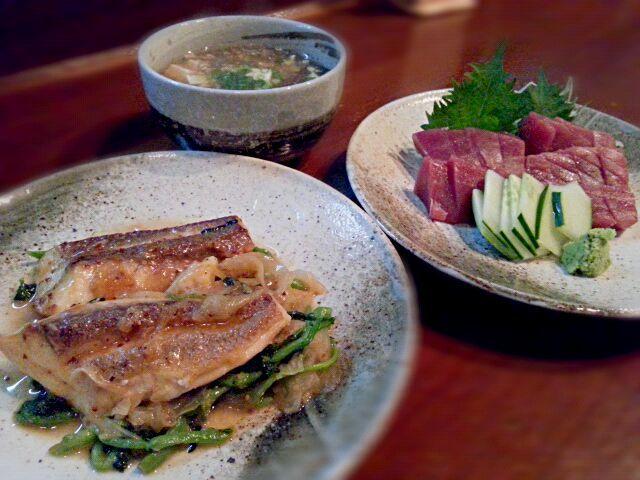 休み前の贅沢なまかないです - 29件のもぐもぐ - マーマチのポワレ・沖縄県産本マグロ刺身・モズクスープ by ichidolushi