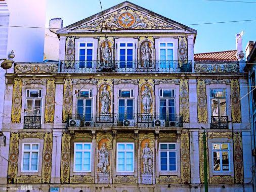 Portugal Photography – Comunidade –Casa do Ferreira das Tabuletas - edifício onde viveu o artista Rafael Bordalo Pinheiro. Situado no largo com o seu nome, na zona do Chiado, em Lisboa, é revestido de azulejos, datados de 1864, que representam um conjunto de símbolos maçónicos e de figuras alegóricas - a Terra, a Água, o Comércio, a Indústria, a Ciência e a Agricultura. Google+