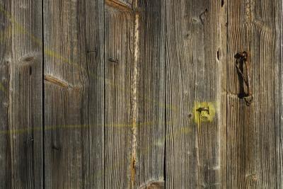 Como fazer madeira parecer antiga resistente a rachaduras | eHow Brasil