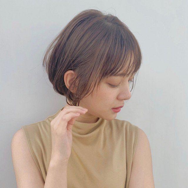 触覚みたいな前髪 はこうやってつくる 15の見本ヘア 美的 Com 前髪 ヘアカット ヘアミルク