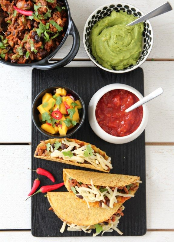 Fredagstaco med guacamole og mangosalsa