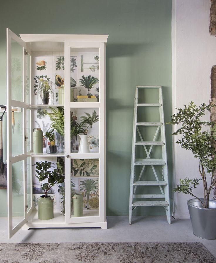 Goede en mooie nepplanten zijn ideale decoratiestukken om je interieur mee op te frissen. Rekening houden met licht is niet meer nodig. | IKEA IKEAnl IKEAnederland HowTo HowToStyle DIY Planten Nepplanten Fake Nep Groen Natuurlijk Natuurlijk Organisch Duurzaam UrbanJungle Jungle
