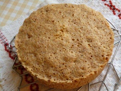 Ореховый тортик за 5 мин без муки в микроволновке Орехи любые  — 200 г Яйца — 3 шт. Сахар — 80 г Разрыхлитель — 1 ч.л.