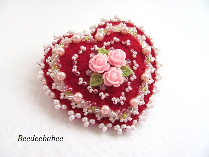 Heart brooch / Felt Heart Pin by Beedeebabee on Etsy https://www.etsy.com/listing/218083286/heart-brooch-felt-heart-pin