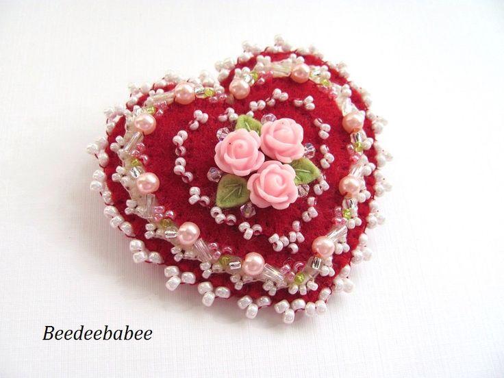 Heart brooch / Felt Heart Pin by Beedeebabee on Etsy https://www.etsy.com/listing/218083286/heart-brooch-felt-heart-pin