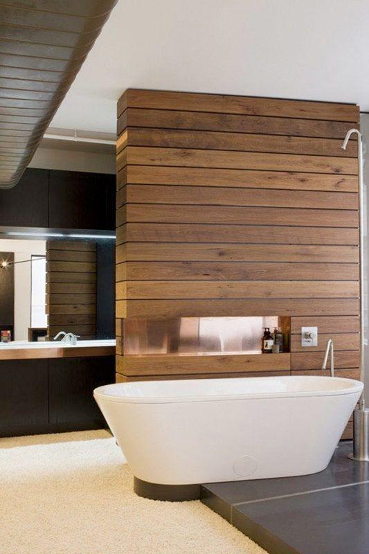 <p>Är du ute efter en mjuk och levande, men ändå modern och stilren inredning i ditt badrum? Då kanske träpanel kan vara något för dig. Här är 16 vackra badrum med ett gemensamt, de är alla inredda med någon form av träpanel.</p>