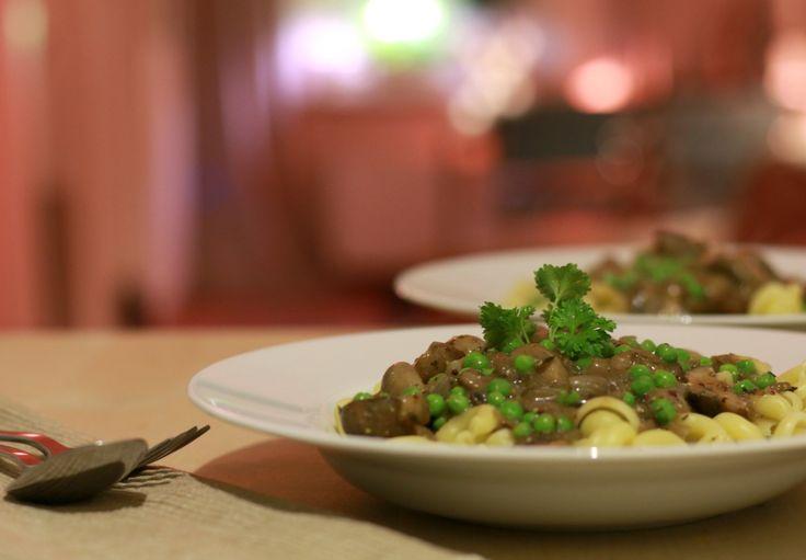 vegetarische stroganoff met champignons