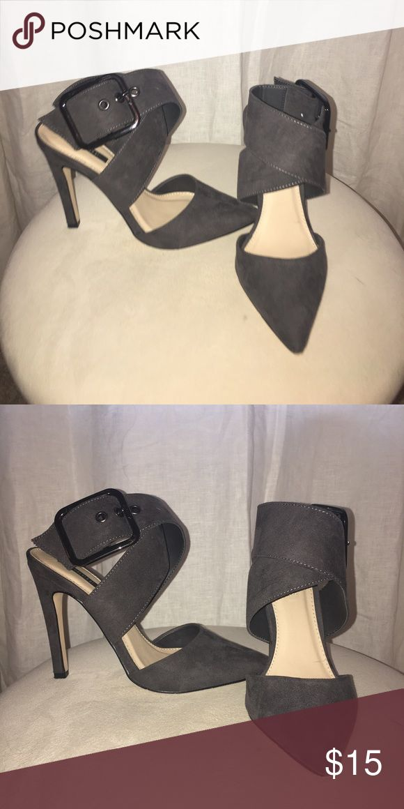 Grey high heels Grey high heels, comfortably buckle around the ankle Forever 21 Shoes Heels
