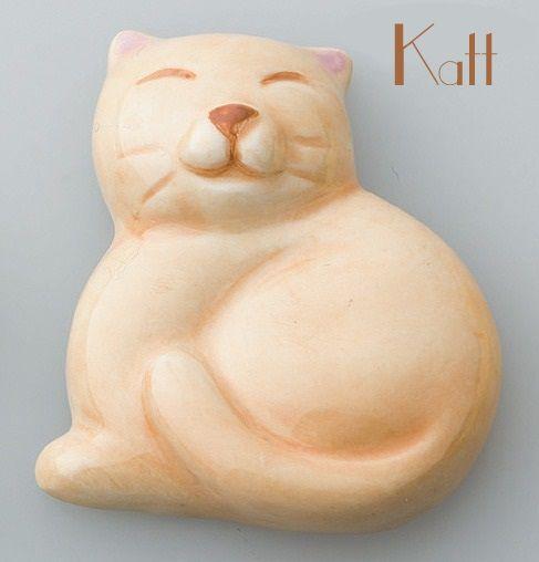 Chopstick rest Katt via MoguMogu. Click on the image to see more!