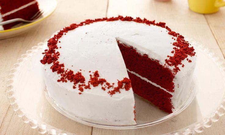 Red Velvet Cake Rezept: Diese amerikanische Torte betört mit ihrer roten Farbe und dem himmlischen, weissen Frosting! - Eines von unzähligen feinen und gelingsicheren Rezepten von Dr. Oetker!