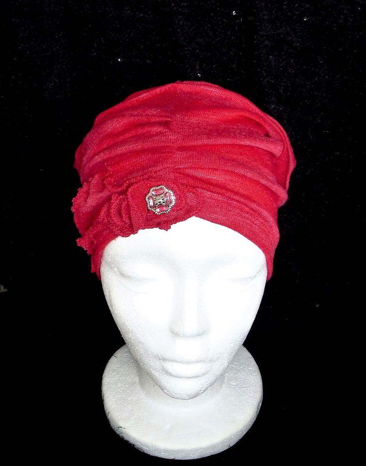 Chapeau rouge chimio femme, bonnet souple cancer,turban, béret, tuque, perte de cheveux, couvre tête,  fait à la main. de la boutique BleuKaktusHats sur Etsy