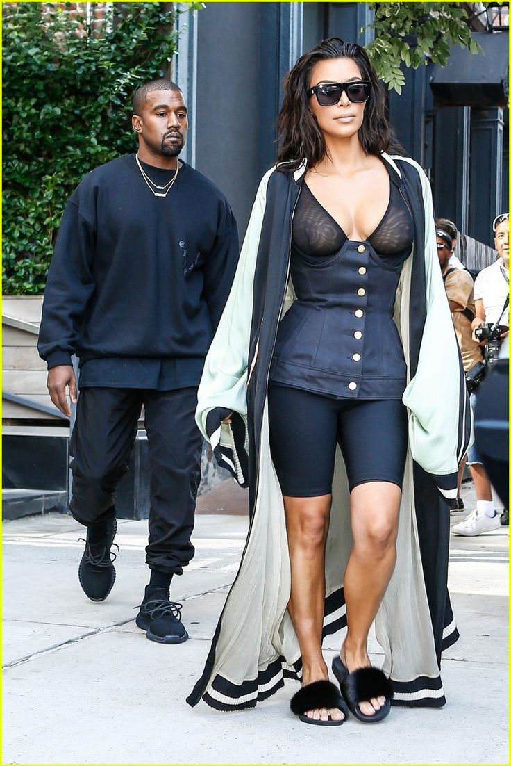 Kim Kardashian & Kanye West Had the Ultimate Dinner Party After the VMAs…