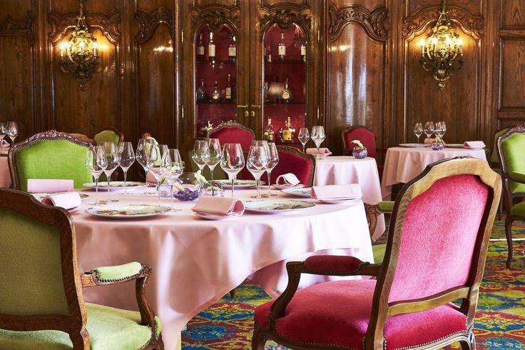 Le Chantecler, un restaurant unique et chaleureux sur la Promenade des anglais, 2 étoiles au Guide Michelin.